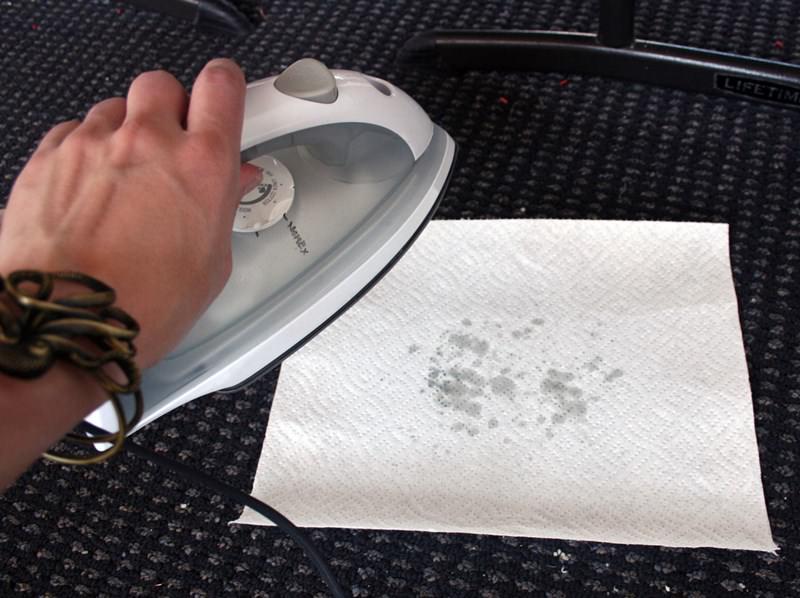 Как удалить пятна от свечи со скатерти фото