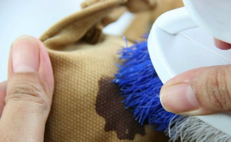 Как в домашних условиях вывести пятно на одежде фото