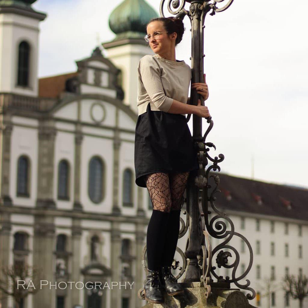 Год в одном платье: девушка отстаивает идею минимализма