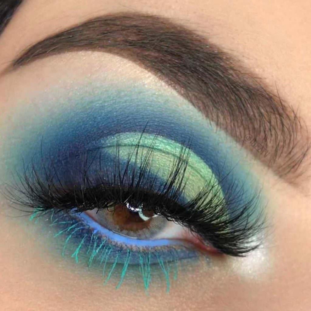 Весенний тренд макияжа: цветная тушь
