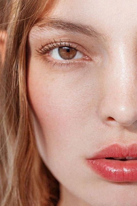3 тренда в макияже, которые подчеркнут вашу естественную красоту