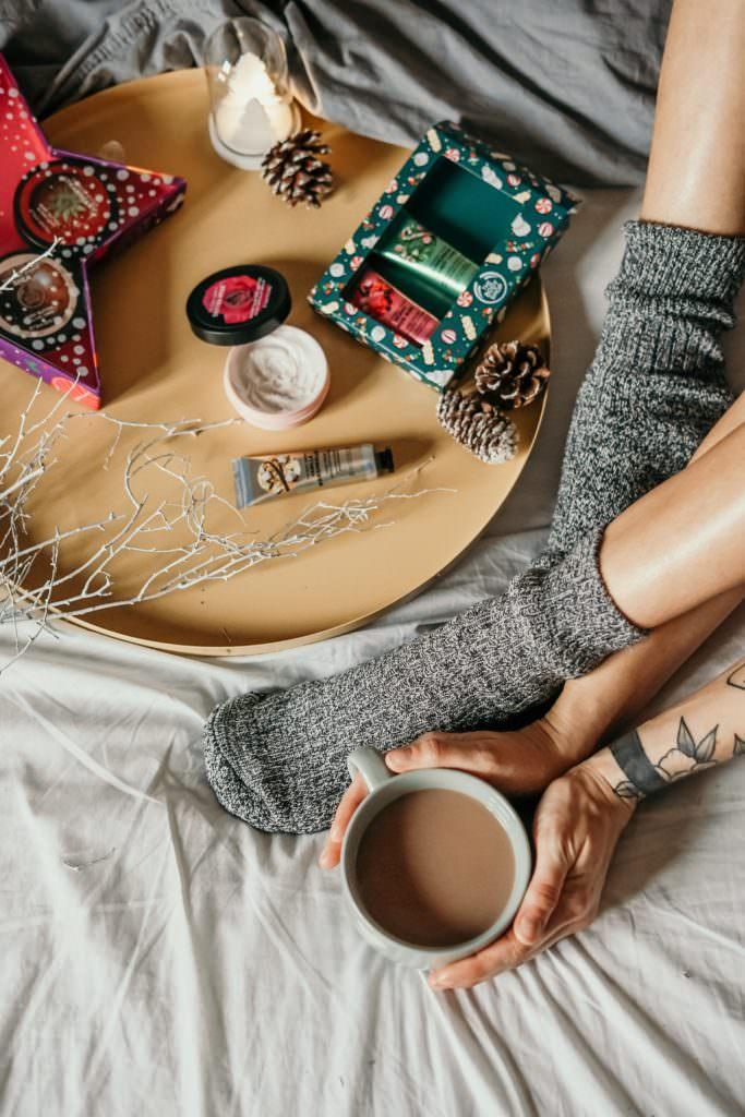 Почему стоит спать в носках