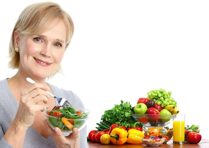 Принципы питания женщин в период менопаузы: 10 золотых правил