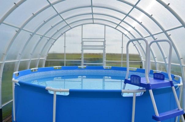 как обустроить бассейн в теплице