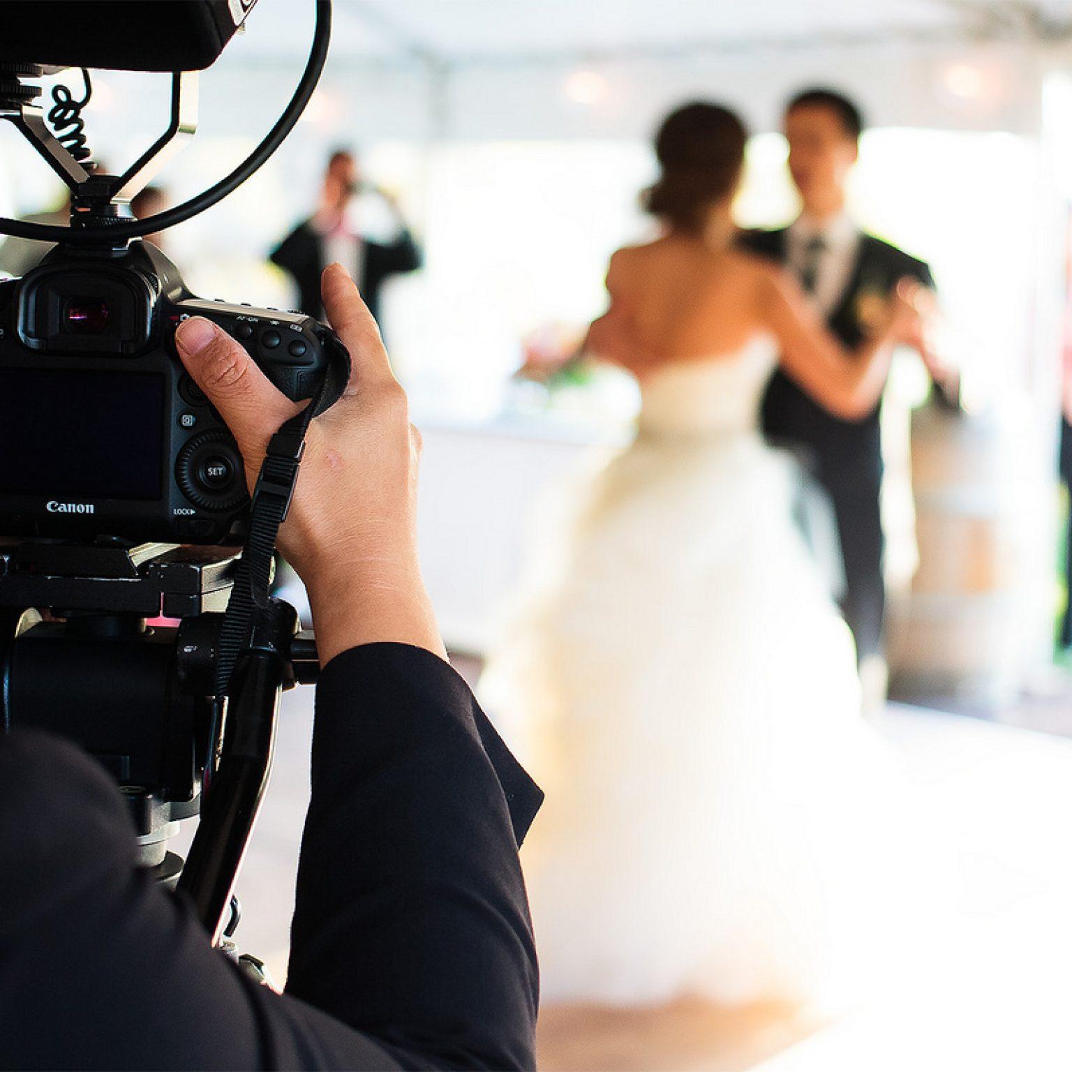 Как должен быть одет свадебный фотограф?