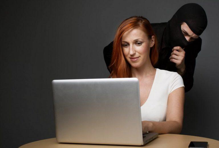 Как обезопасить себя, совершая покупки в интернет-магазинах?