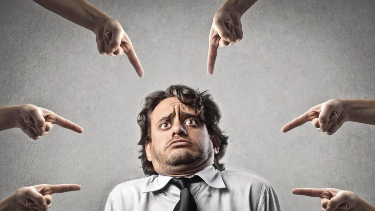 Что делать если вы обнаружили у себя зависимость от чужого мнения