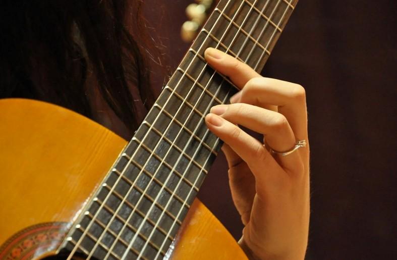Легкие песни на гитаре для новичков