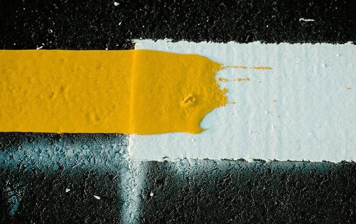 Краска для разметки: её особенности
